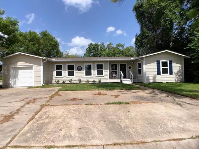 501 Azalea Street, Lake Jackson, TX 77566 (MLS #33153394) :: The SOLD by George Team