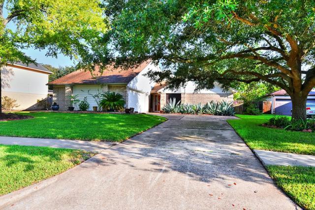 15506 Rio Plaza Drive, Houston, TX 77083 (MLS #33168447) :: Carrington Real Estate Services