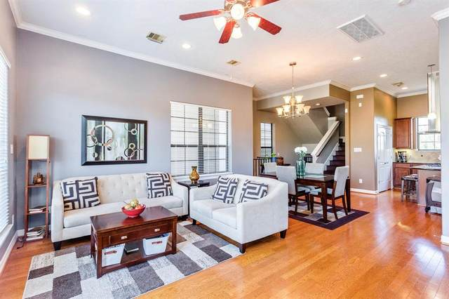 3450 Clearview Villa Way, Houston, TX 77025 (MLS #33213938) :: Christy Buck Team