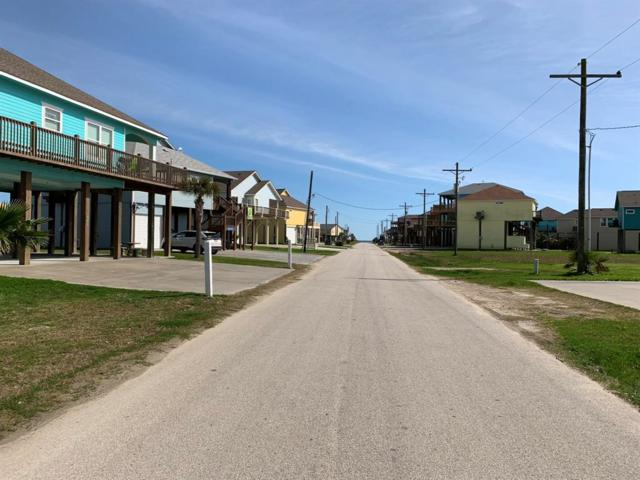 979 S Cove, Crystal Beach, TX 77650 (MLS #33219030) :: Connect Realty