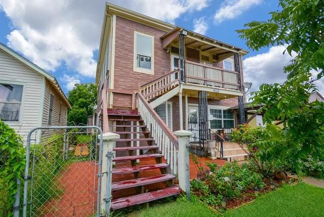 4216 Avenue M 1/2, Galveston, TX 77550 (MLS #33302485) :: The Home Branch