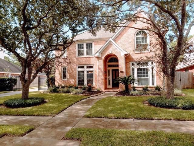 1026 Burchton Drive, Sugar Land, TX 77479 (MLS #33324937) :: The Sold By Valdez Team