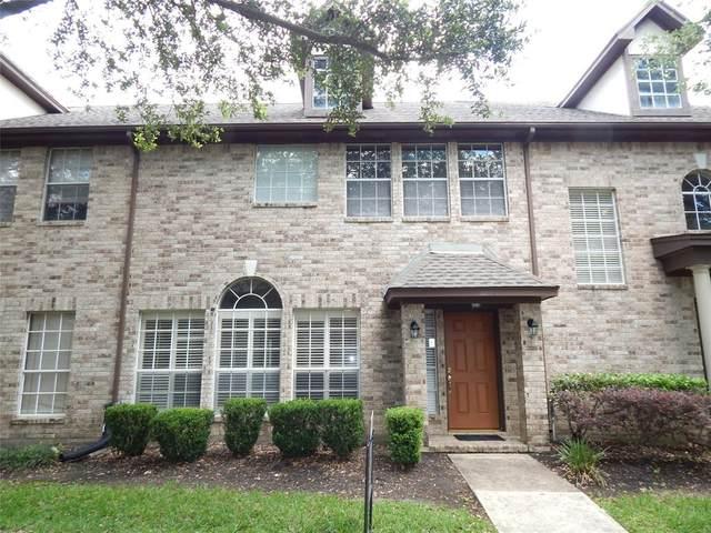 2204 Gemini Street, Houston, TX 77058 (MLS #33474035) :: Bay Area Elite Properties