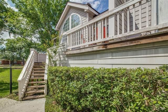 111 Dunbar Estates Drive #703, Friendswood, TX 77546 (MLS #33537365) :: Connect Realty