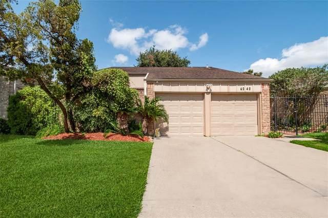 4242 Yupon Ridge Drive, Houston, TX 77072 (MLS #33539494) :: Michele Harmon Team