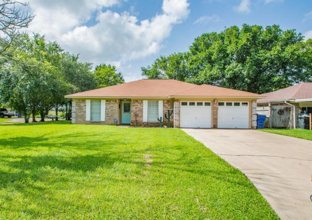 301 La Laja Drive, Angleton, TX 77515 (MLS #3367319) :: Connect Realty