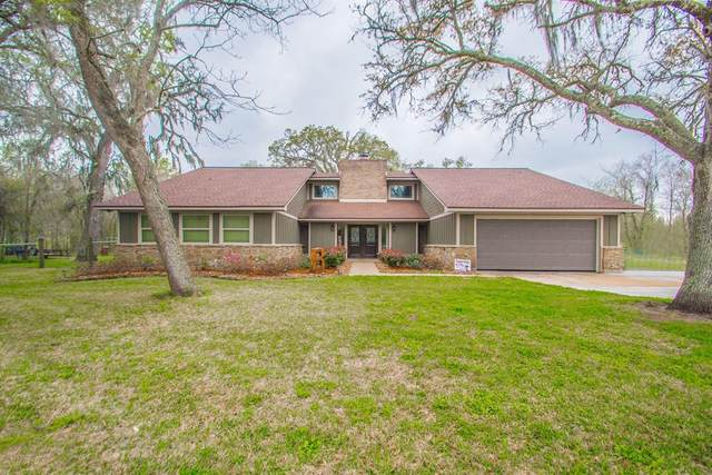 208 Country Road, Angleton, TX 77515 (MLS #33700595) :: Michele Harmon Team
