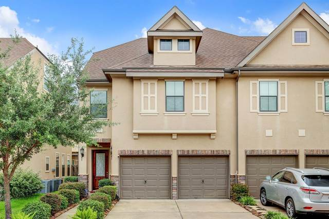 2915 Royal Oaks Green, Houston, TX 77082 (MLS #33749405) :: The SOLD by George Team