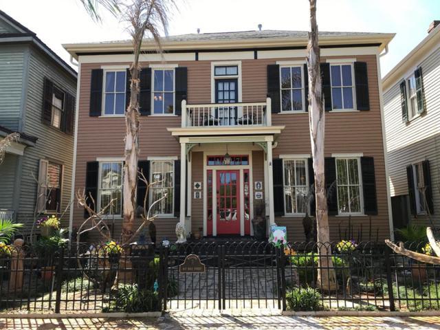 1617 Ball Street, Galveston, TX 77550 (MLS #33822845) :: Team Parodi at Realty Associates