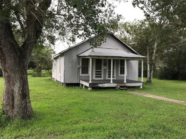 420 Jerry Street, Hallettsville, TX 77964 (MLS #33899288) :: Texas Home Shop Realty