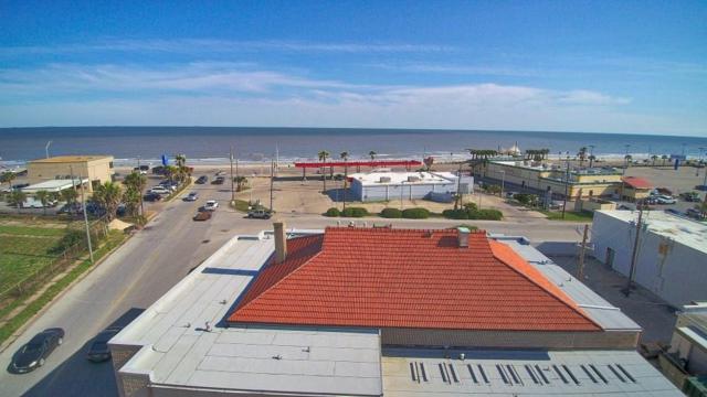 4504 Fort Crockett Boulevard, Galveston, TX 77551 (MLS #33953049) :: Magnolia Realty