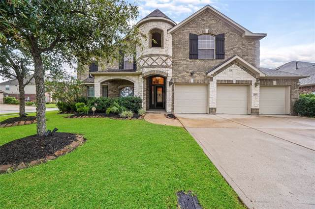 2101 Woodland Court, Pearland, TX 77581 (MLS #3407143) :: Christy Buck Team