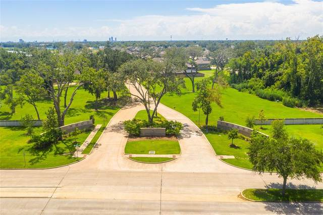 217 Bentwater Lane, Clute, TX 77531 (MLS #34318434) :: All Cities USA Realty