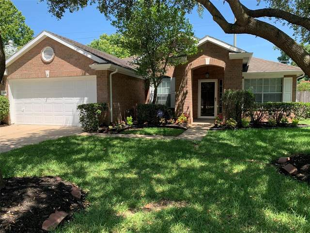 2630 Riverhollow Lane, Sugar Land, TX 77479 (MLS #34512420) :: The SOLD by George Team