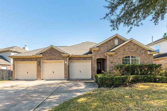 2703 Shadow Bay Drive, Pearland, TX 77584 (MLS #34555576) :: Christy Buck Team