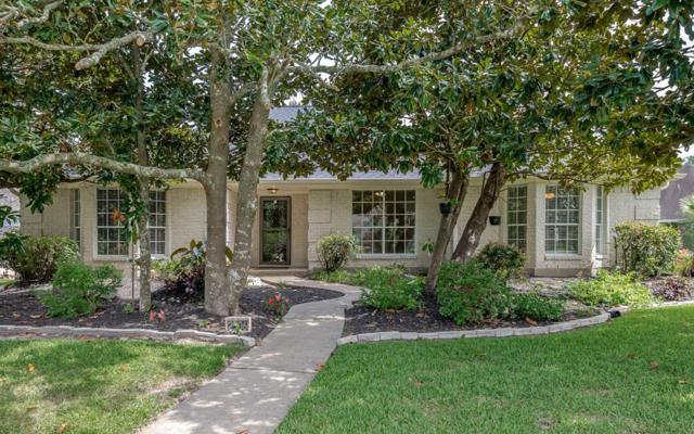 2506 Pinebrook Lane, Seabrook, TX 77586 (MLS #34581127) :: The SOLD by George Team