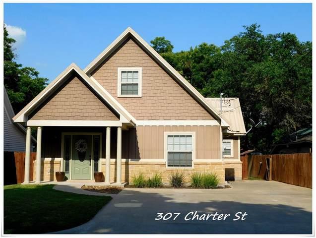 307 Charter Street, Columbus, TX 78934 (MLS #34669315) :: Caskey Realty