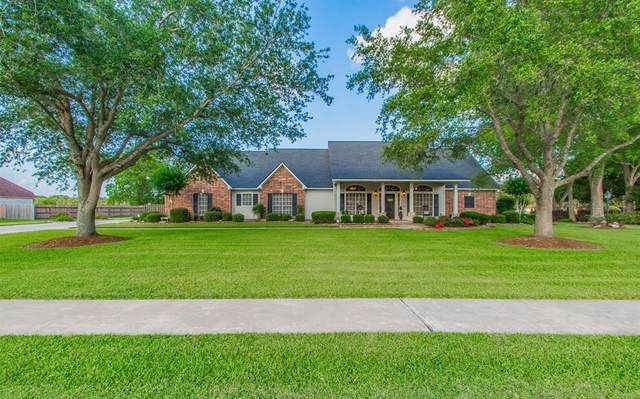 308 Heritage Oaks Drive, Angleton, TX 77515 (MLS #34715900) :: The Queen Team