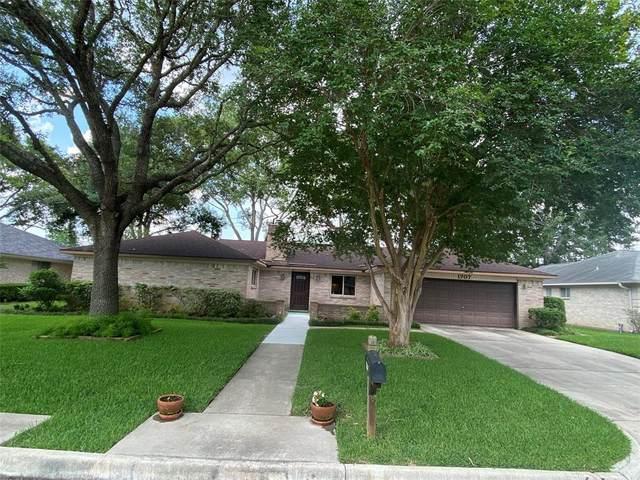 1707 Laurel Oaks Drive, Richmond, TX 77469 (MLS #34928702) :: Lerner Realty Solutions