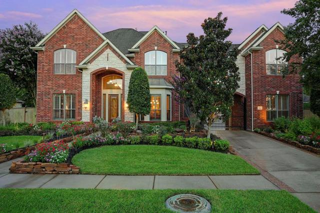 208 Salmon Creek Lane, Friendswood, TX 77546 (MLS #34952614) :: REMAX Space Center - The Bly Team