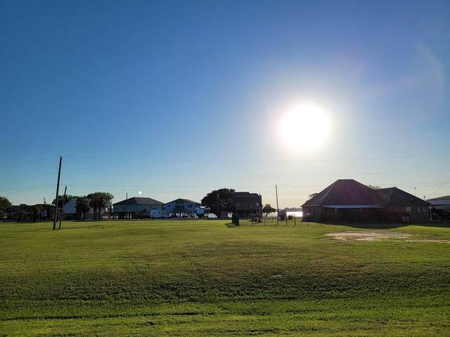1361-1362 Bayview Drive, Palacios, TX 77465 (MLS #35037928) :: Michele Harmon Team