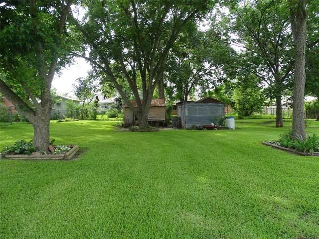 000 North Amthor, Bellville, TX 77418 (MLS #35065864) :: Keller Williams Realty