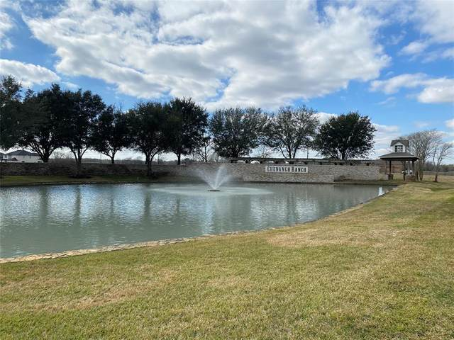 219 Lakeview Drive, Angleton, TX 77515 (MLS #3506619) :: My BCS Home Real Estate Group