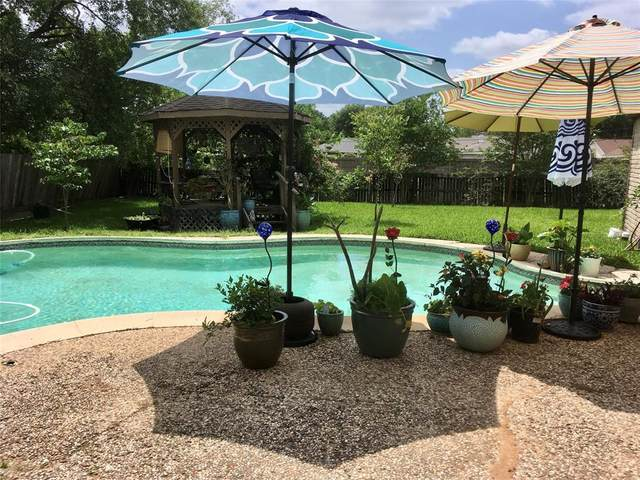 12135 Meadow Pines Drive, The Meadows, TX 77477 (MLS #35069589) :: The Heyl Group at Keller Williams