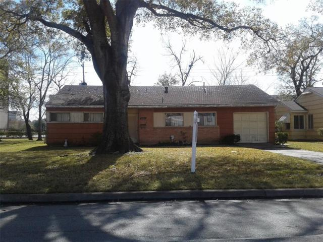 4907 Mayfair Street, Bellaire, TX 77401 (MLS #3507494) :: Texas Home Shop Realty