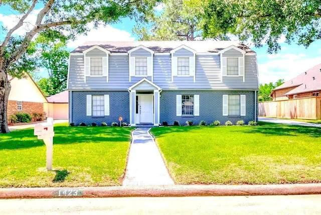 1423 Scenic Ridge, Houston, TX 77043 (MLS #35198167) :: The Wendy Sherman Team
