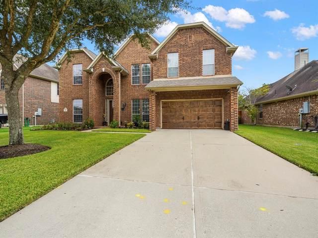 103 Sandstone Bend Lane, Dickinson, TX 77539 (MLS #35206658) :: My BCS Home Real Estate Group