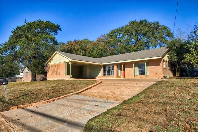 401 E Stone Street, Brenham, TX 77833 (MLS #35236879) :: The Sansone Group