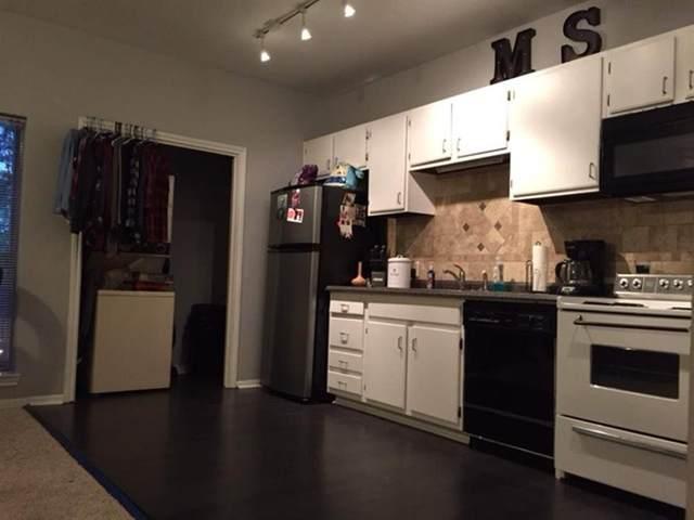 1401 April Villas, Montgomery, TX 77356 (MLS #35368456) :: The Home Branch