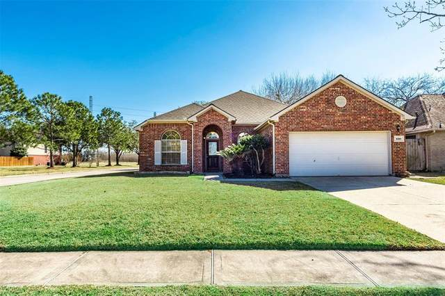 5301 Carefree Drive, League City, TX 77573 (MLS #35457683) :: Christy Buck Team