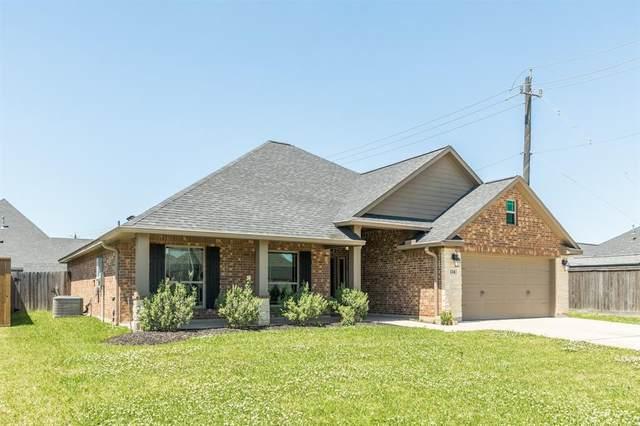 114 Cinnamon Lane, Lake Jackson, TX 77566 (MLS #35541544) :: The Sansone Group