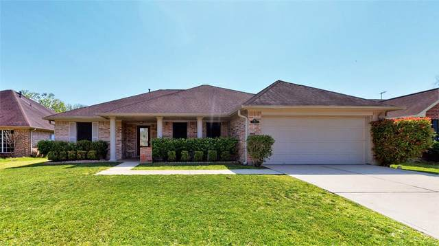 413 Ceole Lane, League City, TX 77573 (MLS #35781882) :: Guevara Backman