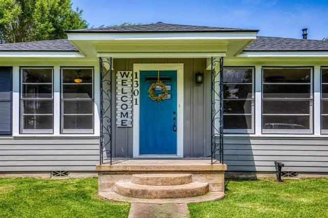1301 Higgins Street, Brenham, TX 77833 (MLS #35868358) :: The SOLD by George Team