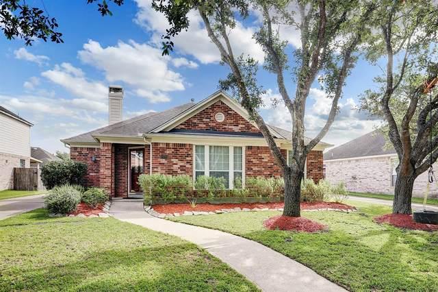 14215 Rolling Hills Lane, Rosharon, TX 77583 (MLS #35876537) :: The Queen Team