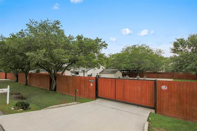 8500 Wateka Drive, Houston, TX 77074 (MLS #3589297) :: Connell Team with Better Homes and Gardens, Gary Greene