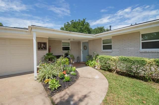 39 Lazy Lane, Kemah, TX 77565 (MLS #35968491) :: Bay Area Elite Properties