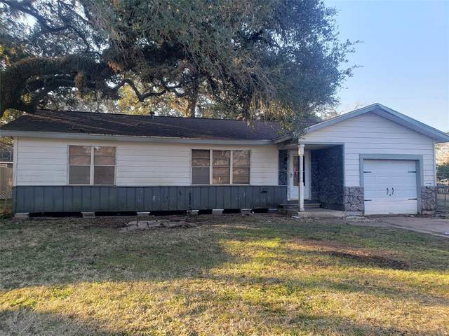 510 E Louisiana Street, Brazoria, TX 77422 (MLS #35974694) :: Christy Buck Team