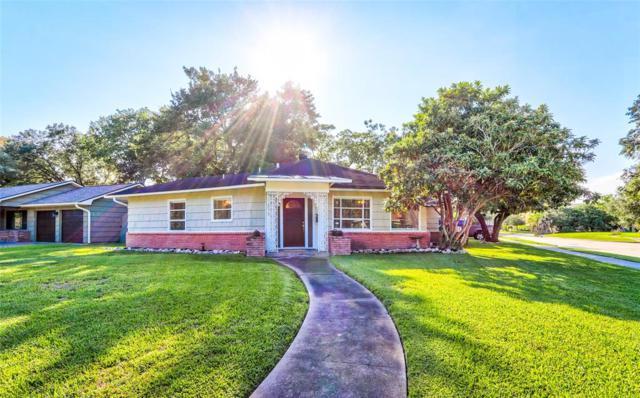800 Atwell Street, Bellaire, TX 77401 (MLS #36069533) :: Keller Williams Realty