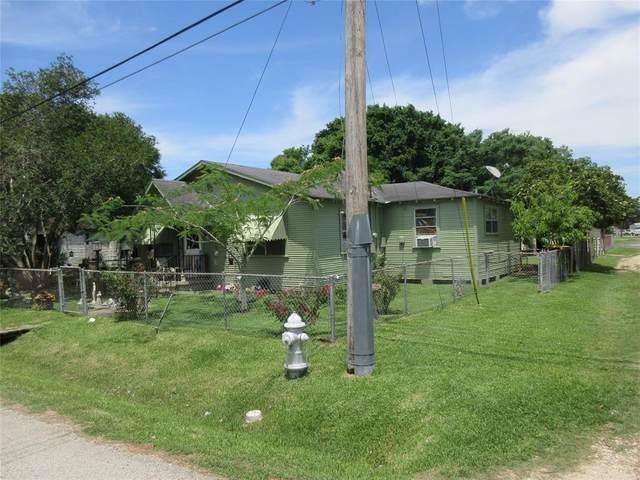 8223 Wallis Street, Fulshear, TX 77441 (MLS #36103706) :: My BCS Home Real Estate Group