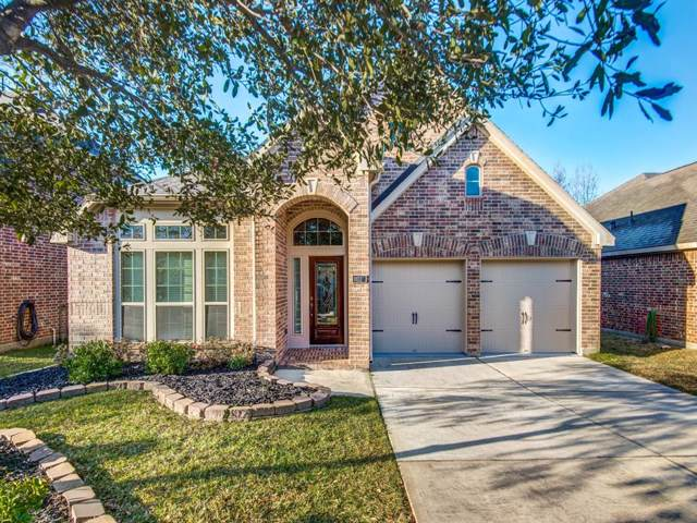 111 Knollbrook Circle, Montgomery, TX 77316 (MLS #36172955) :: The SOLD by George Team