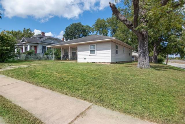 300 W Vulcan Street, Brenham, TX 77833 (MLS #36383849) :: Magnolia Realty