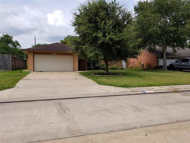 128 S Yaupon Street, Lake Jackson, TX 77566 (MLS #36436065) :: Guevara Backman