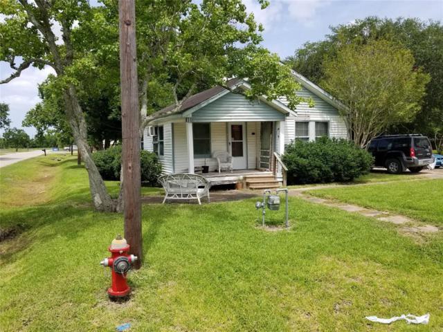 2301 Avenue C, Dickinson, TX 77539 (MLS #36476387) :: NewHomePrograms.com LLC