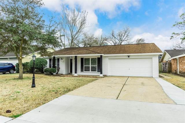 16514 Blackhawk Boulevard, Friendswood, TX 77546 (MLS #36476455) :: Giorgi Real Estate Group