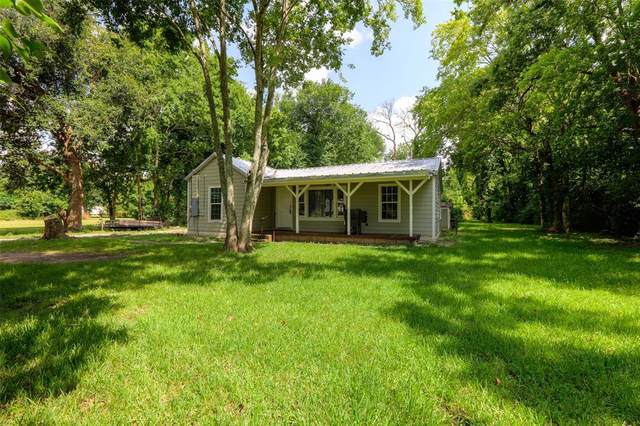 1430 County Road 605, Dayton, TX 77535 (MLS #36496778) :: The Bly Team