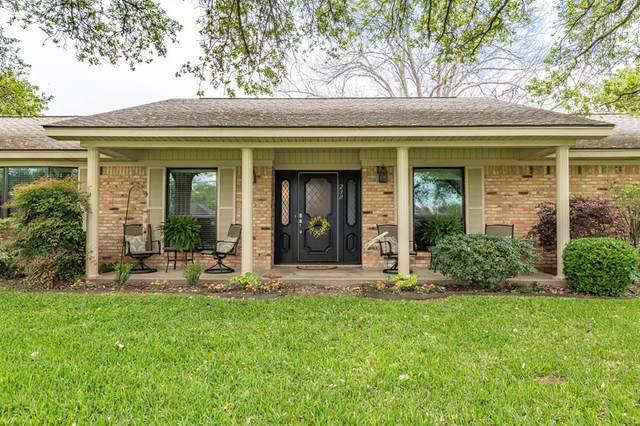 230 Tait Street, Columbus, TX 78934 (MLS #36550966) :: Bay Area Elite Properties